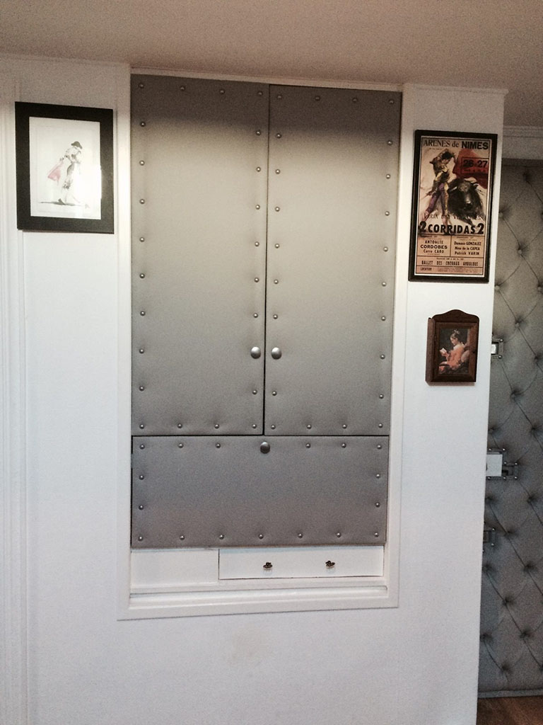 l deco nice 06 porte capitonn e n 21. Black Bedroom Furniture Sets. Home Design Ideas